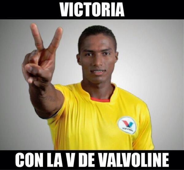 @ValvolineEC  ECUADOOOOOOR ECUADOOOR HOY TE QUIIIIERO MAAAAAAS TRICOLOOOOOR NI UN PASO A TRAAAS VAMOOOOOOOO ECUADOOOR http://t.co/K4aaplCjYp