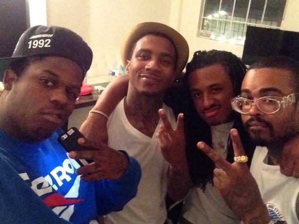 @lilunowolfpack @2800stunnaman @LILBTHEBASEDGOD @YoungL_Legend niggas back #wolfpack2014 http://t.co/x3mQEm4kct
