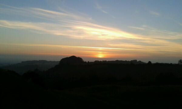 @BBCLeicester Sunrise from Burrough Hill #solstice # Leicestershire http://t.co/SdTHWqICnv