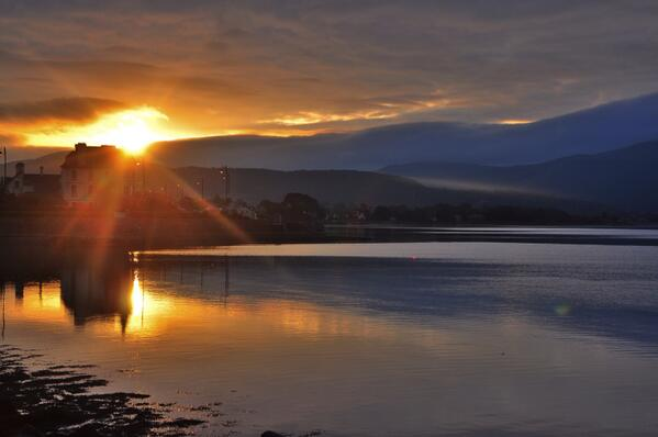 The Solstice Sunrise over Warrenpoint this morning!. @barrabest http://t.co/cNTQuI1TYz