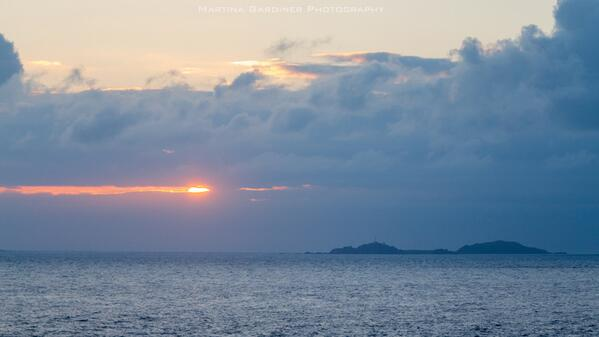 First light at #MalinHead this solstice morning. Looking out to Inishtrahull #Inishowen #Donegal http://t.co/wV6qDUyCfA