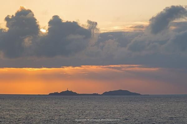 And then the cloulds lifted - Solstice sunrise over Inishtrahull, the view from #MalinHead http://t.co/ZdmUPtkYVM