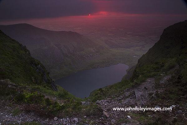 Summer solstice sunrise over Coumshingaun @IrelandWalking @wonderfulIRL @welovewaterford @ComeraghPhoto http://t.co/J66ok8RVLT