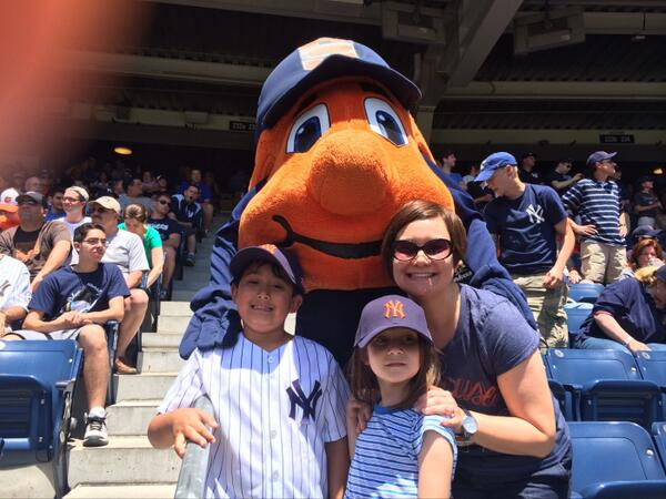 Perfect day in the Bronx for #SUYankeeDay ! http://t.co/CGudignRi0