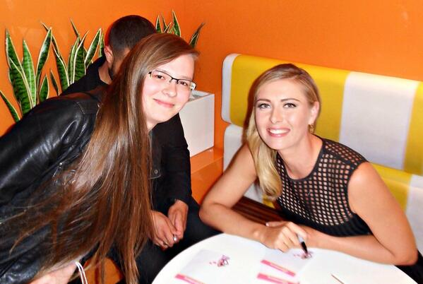@MariaSharapova so happy we finally met at pinkberry launch of sugarpova, 10 yr wait was so worth it! Thank you :) http://t.co/vdlx9mFe06