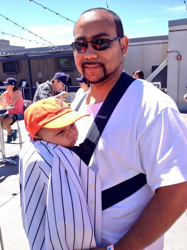 Just met Waskar '06 and Derrick SU Class of '36! #SUYankeeDay http://t.co/SqCcagkxj8