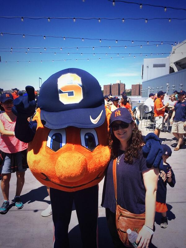 Spotted: Otto the Orange and @elanazak! #SUYankeeDay http://t.co/aLnkx2LLyl