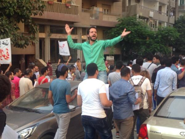 Khaled el-Said, arrested Jan25, 2014, tortured by police and released 6 weeks later, leads chants against protest law http://t.co/NWwkLzPHeh