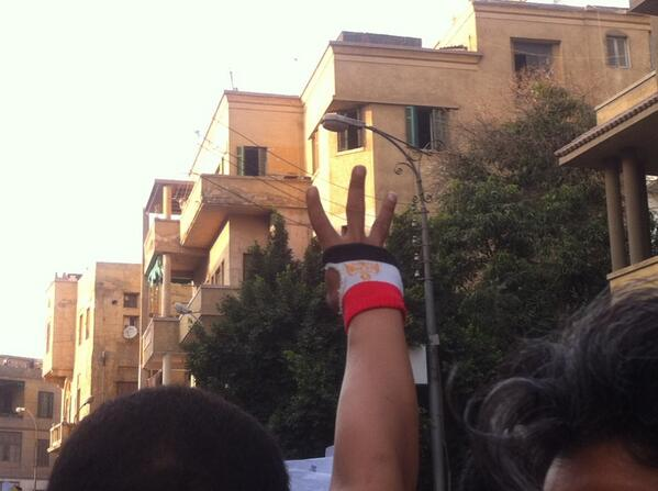 3 fingers up #noprotestlaw #nomiltrials #egypt http://t.co/QVQqOZmQL5