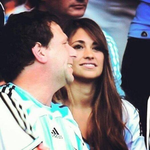Lionel Messi was cheered on by girlfriend Antonella Roccuzzo & son Thiago against Iran [Pictures]