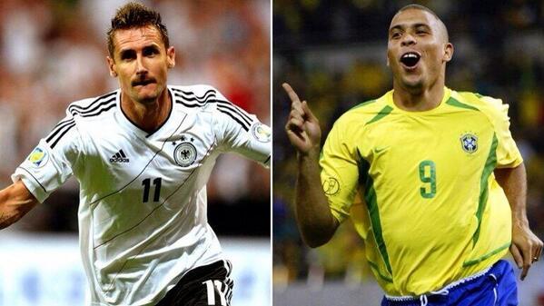 Ronaldo Nazario marcó su gol 15 en Alemania 2006. Miroslav Klose marcó su gol 15 en Brasil 2014. Ambos ante Ghana. http://t.co/qseuLPLThv