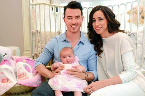 Kenielle y Alena jonas #family #HJ http://t.co/SuqLSWtH9q