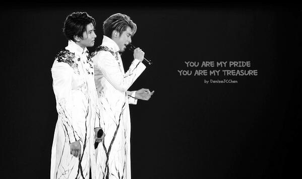 YOU ARE MY PRIDE, YOU ARE MY TREASURE! Thank you Tohoshinki ♥︎ #TohoTreeTour http://t.co/QsVCD462JK