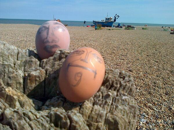 Very much enjoyed performing Satie's Vexations at Aldeburgh today! An eggstravaganza :) #Musicircus http://t.co/OoblrSs3mC