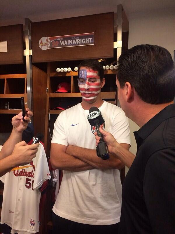 Awesome! #AdamWainwright shows up to Busch Stadium supporting the @ussoccer team today! #WorldCup2014 http://t.co/A4uXKgt6Kd