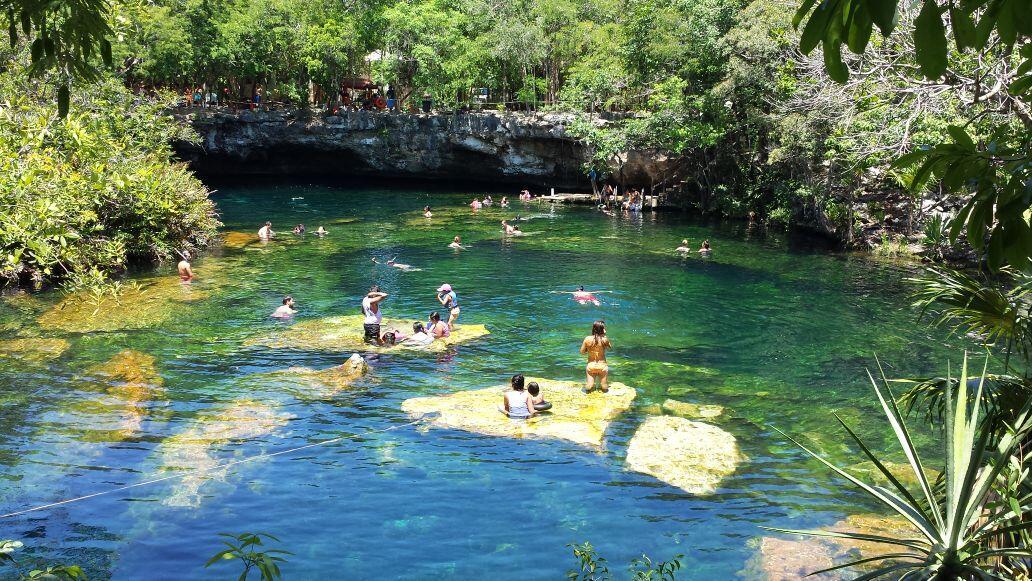 Webcams de m xico on twitter v a amorivieramaya cenote for Jardin del eden