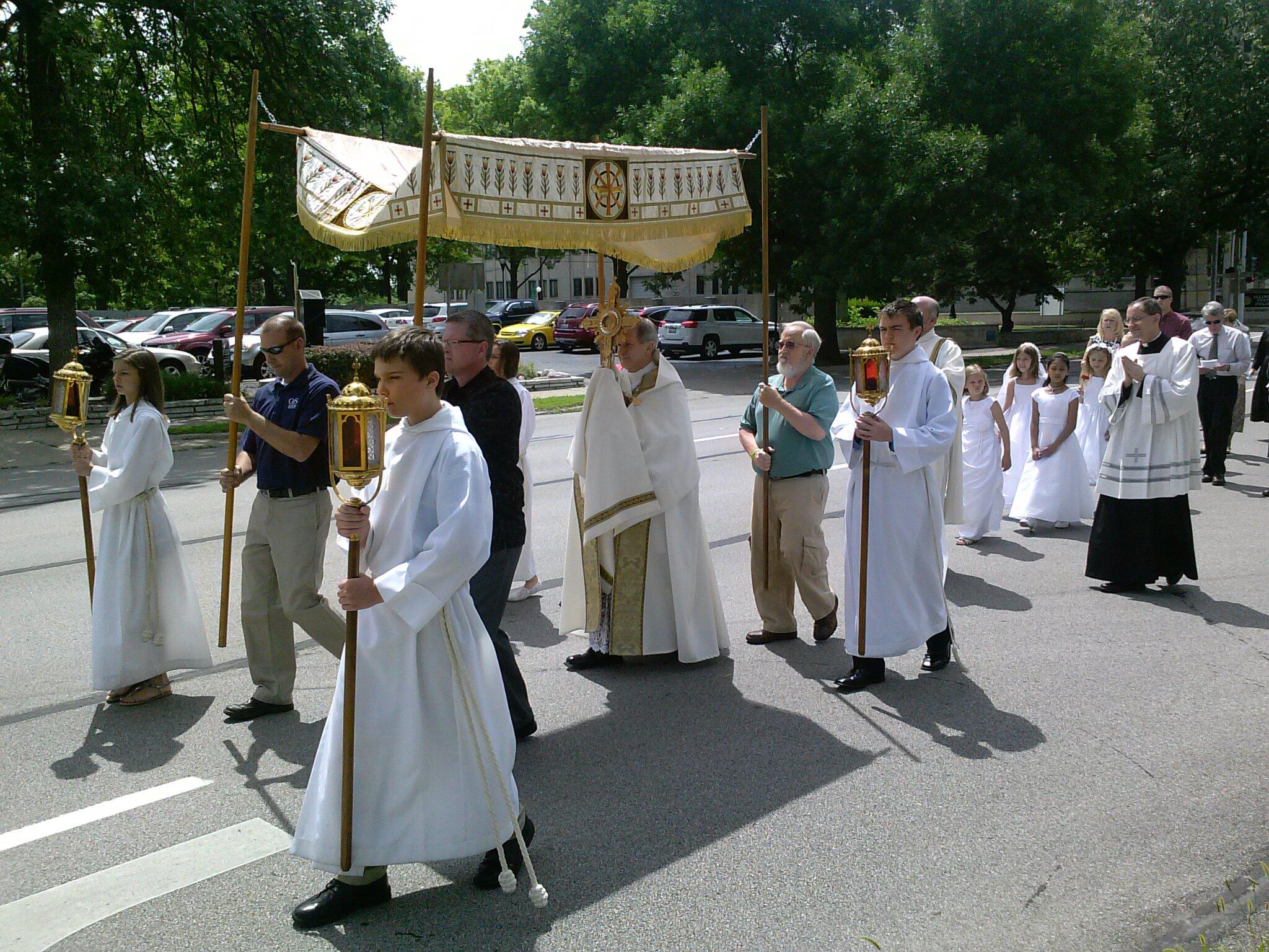 Bishop Paprocki: Eucharistic Procession