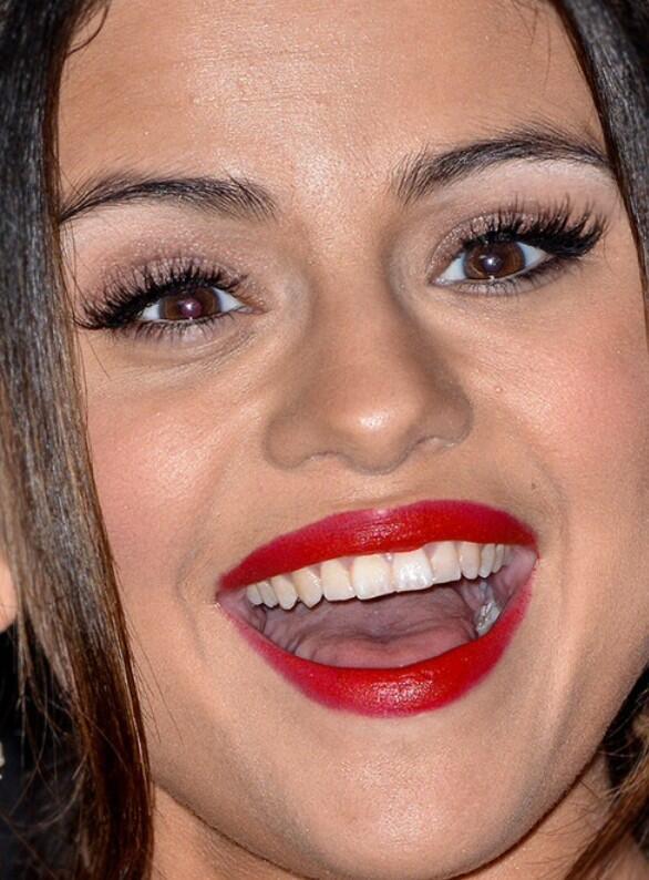 Selena Gomez Teeth   www.imgkid.com - The Image Kid Has It!