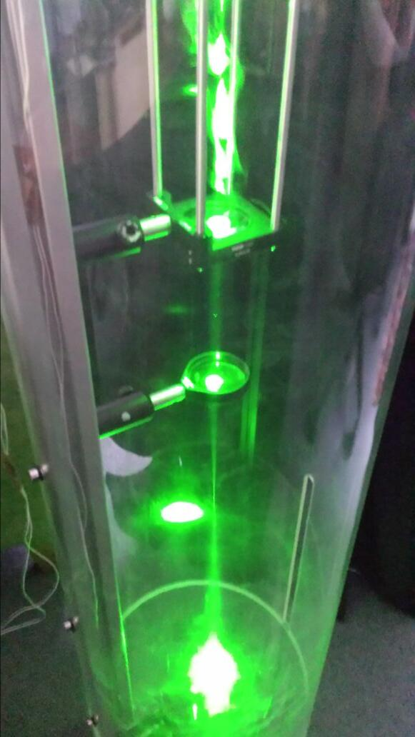 Our laser demo #asksummerscience http://t.co/AE30Mva3t7