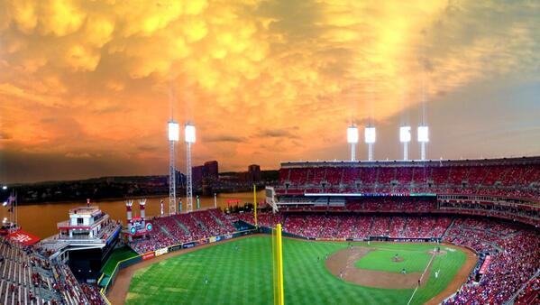 The storms and sunset are making some funky clouds over the ballpark tonight. http://t.co/GnTY0GragC