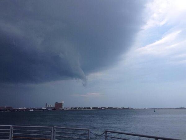 #Yoinks @universalhub RT @David_Leavitt: So this is forming over #boston harbor... http://t.co/CdErX90F72