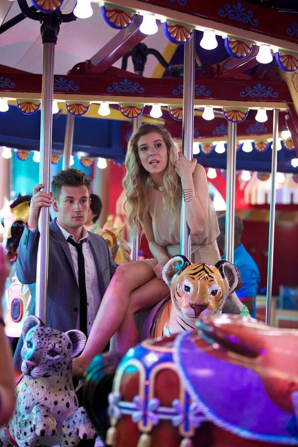 @meghanrosette - remember that time on #AllureOfTheSeas you went on a really romantic Tiger ride w/ @OliWhiteTV? http://t.co/ZRTRAja8ha