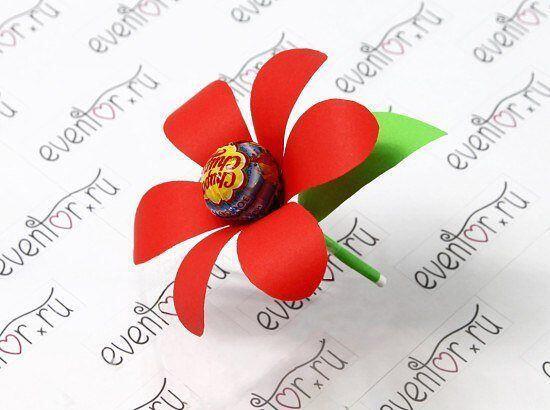 Открытка с чупа чупсом к 8 марта, картинки символов для