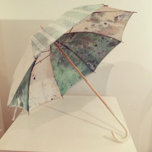 【1F催事のお知らせ】Coci la elleよりバレエ・リュス展をイメージし制作頂いた1点ものの日傘「invocaion」のご紹介。水彩画のようなグリーンの生地にレースをあしらった日傘。夏の陽射しを爽やかにかえてくれます。/SFT http://t.co/qKD86Ytfx7