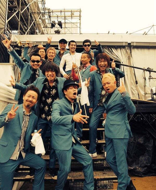 """""""京都大作戦"""" スカパラ×10-FEETバンドコラボ大成功〜!「hammer ska」「閃光」さらには「ALL GOOD SKA IS ONE」までコラボ(笑)お客さん最高でした。最高にHAPPYな空間‼︎ #tspo http://t.co/Z5nFTmXXVc"""