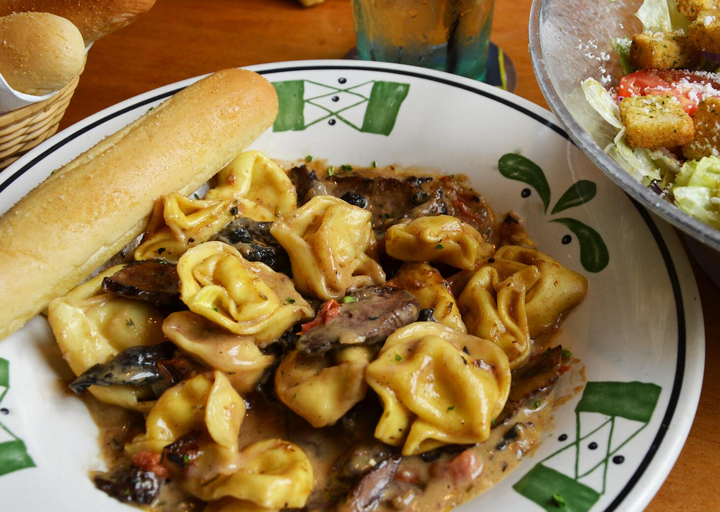 olive garden on twitter braised beef tortelloni has returned tell your friends that they