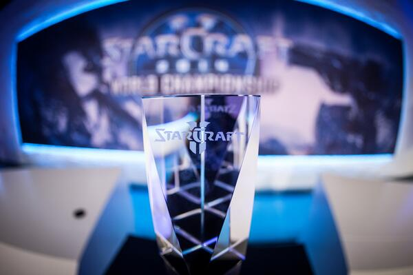 Who is going to win this beauty along with $25,000?! Live today at 5pm CEST on http://t.co/flmDXD13vA! #WCS #ESL http://t.co/7pLSTVcaA1