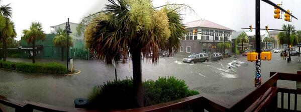 Folly Beach flooding. From Amanda Allen. @chswx @TVAmy http://t.co/JoPKGQnBOA
