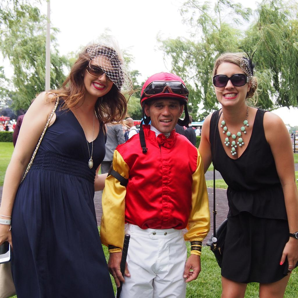 Twitter / WoodbineRacing: Girls ♡ Javier. #QP14 ...