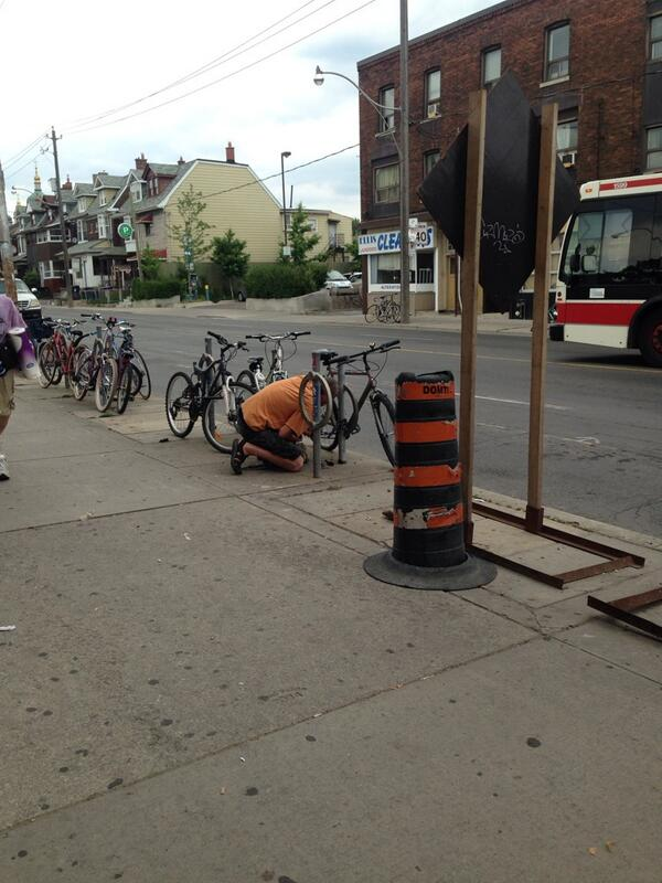 Hello potential bike thief at Ossington we just called the cops on you. http://t.co/gZFjIcShhU
