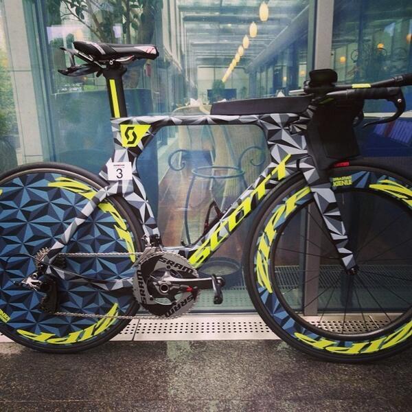The #IMFrankfurt winning Machine! @SebastianKienle won his 1st #IM with such a Class. New course & stunning bike ... http://t.co/ut7pNUd2fk