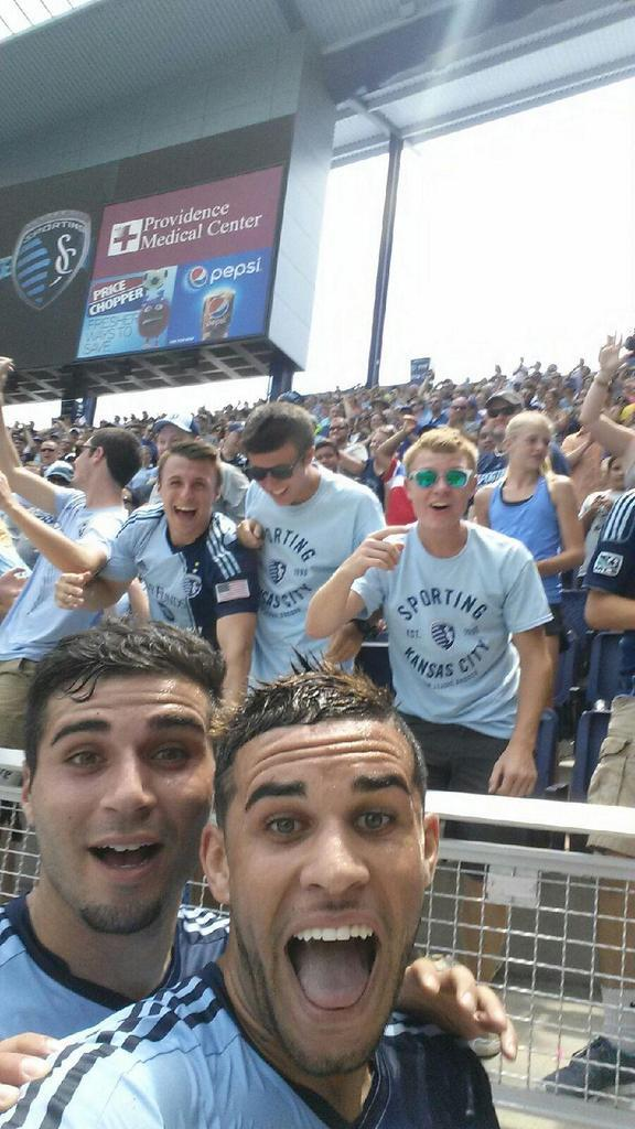 Let me take a selfie. #SportingKC http://t.co/Uy0p6Ep21u