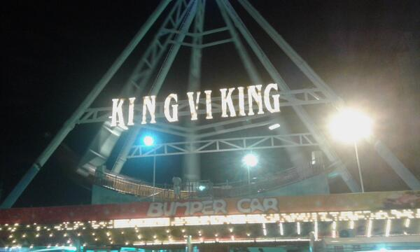 """One ticket for King 6 King"" ""Sir, we don't have a ride by that name."" ""Then I guess you better CHECK YOUR KERNING."" http://t.co/SI36OUHgXO"