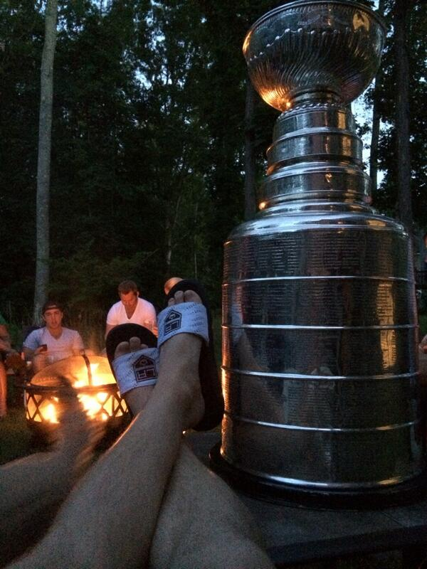 Bonfire with Stanley. @keeperofthecup @Summerskates http://t.co/v2CrpqlKsH
