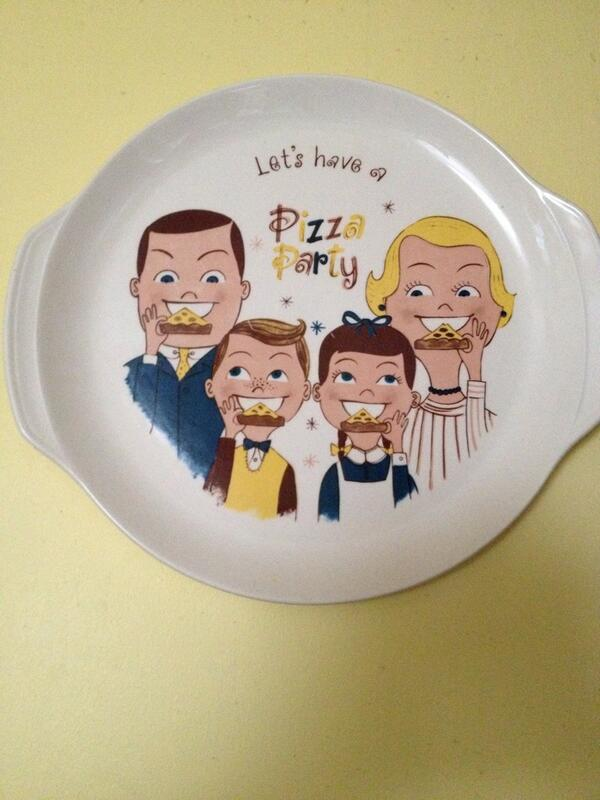 Go Retro Guys On Twitter Its Pizza Party Time At The Gogoretroshop Gogo Vintage Plate Good For Your