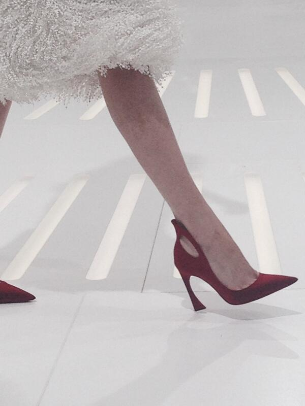 The @dior couture shoe of the day http://t.co/xQKIF5Y9Z9
