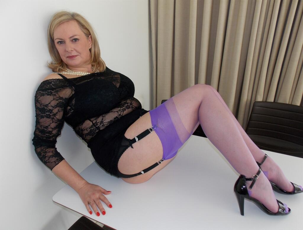 date side milf escort