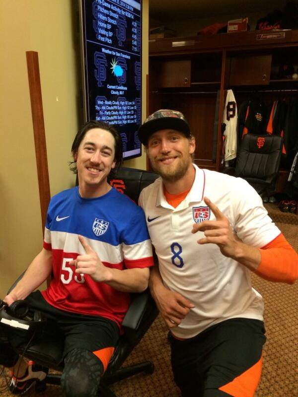 Let's go team USA, we believe!!#OneNationOneTeam #NoHitter thanks for the jersey's before the game! http://t.co/QhWf5gqtXr