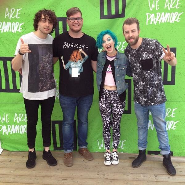 M&G with Paramore in Toronto, Canada #MONUMENTOUR http://t.co/Z10pnDAr8z