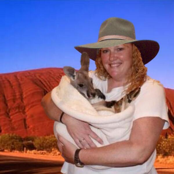 @doglvr4evr @DakotaBdog Wot a gawgus little joey! Where'd he come from, Aunty? #JJPawty http://t.co/peKLnMA1ic