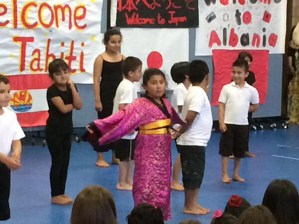 Japan dancers performing #APCCinternationalweek @AlbanyParkPerks @CMSmags @AlbanyParkPost  #onlyinalbanypark http://t.co/oHTmOxiZ5S
