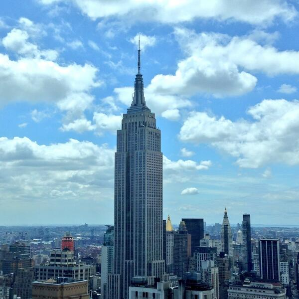 The Empire State rising into today's perfect sky of clouds! #nyc #empirestate @EmpireStateBldg http://t.co/tDXbXAwGqK