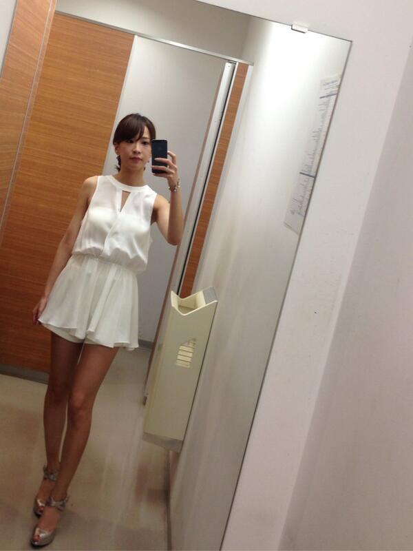 洋服が素敵な神室舞衣さん