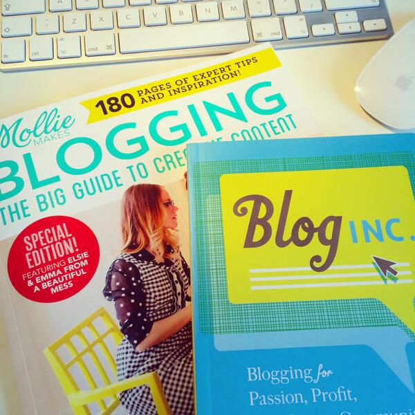 Going to start a blog so getting some tips from @ohjoystudio and @MollieMakes...just wishing I'd learnt to code! http://t.co/QBtQWNLbOm
