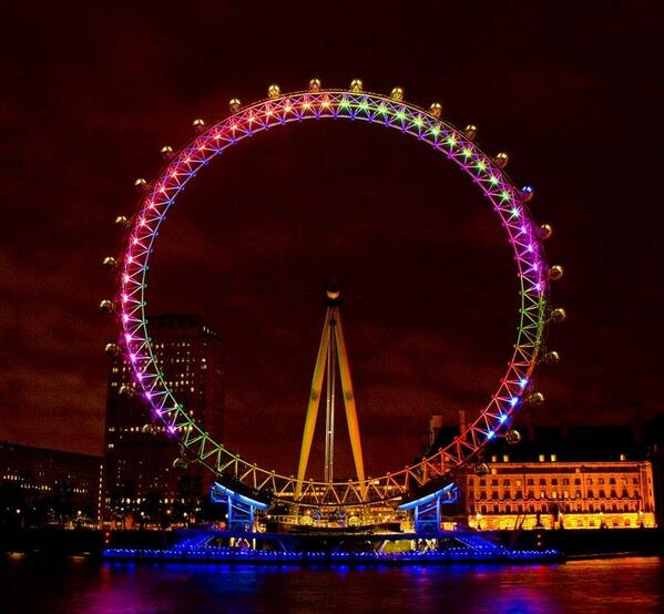 The @TheLondonEye will be turning rainbow coloured this evening in honour of #PrideinLondon. Be sure to stop by! http://t.co/CObbdB5ffl