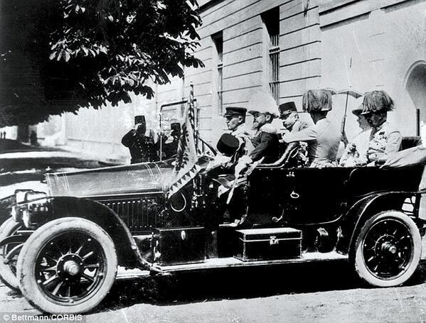 @ArchdukeFranzi @Duchess_Sophie Dann fahren Sie kurz durch #Sarajevo #IheartBosnia #KU_WWI http://t.co/pzGyUN9E5V
